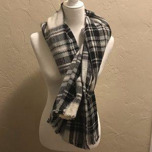 Black, White & Gray Blanket Scarf